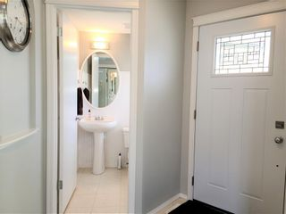 Photo 3: 12 TUSCANY SPRINGS Park NW in Calgary: Tuscany Detached for sale : MLS®# C4300407