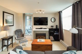 """Photo 3: 301 2225 HOLDOM Avenue in Burnaby: Central BN Condo for sale in """"LEGACY TOWERS"""" (Burnaby North)  : MLS®# R2329994"""