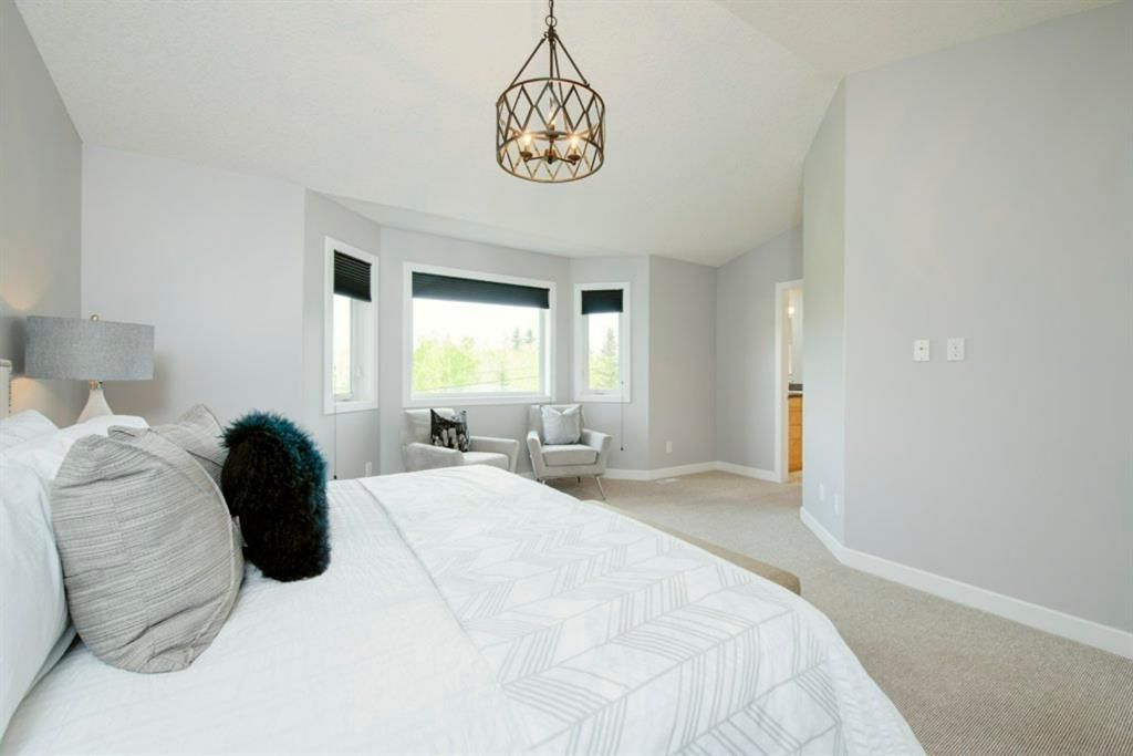 Photo 19: Photos: 32 Prominence Park SW in Calgary: Patterson Row/Townhouse for sale : MLS®# A1112438