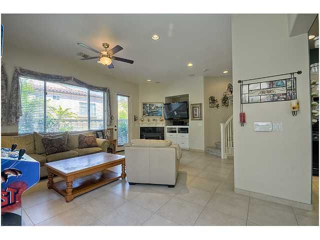 Photo 4: Photos: SCRIPPS RANCH Townhouse for sale : 3 bedrooms : 11821 Miro Circle in San Diego