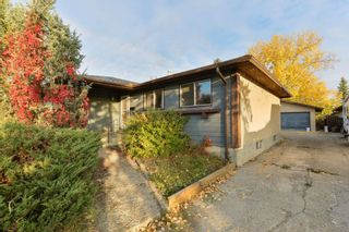 Photo 2: 10220 166 Avenue in Edmonton: Zone 27 House for sale : MLS®# E4265876