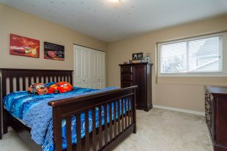 """Photo 14: 17728 68TH Avenue in Surrey: Cloverdale BC House for sale in """"Cloverdale"""" (Cloverdale)  : MLS®# R2252665"""