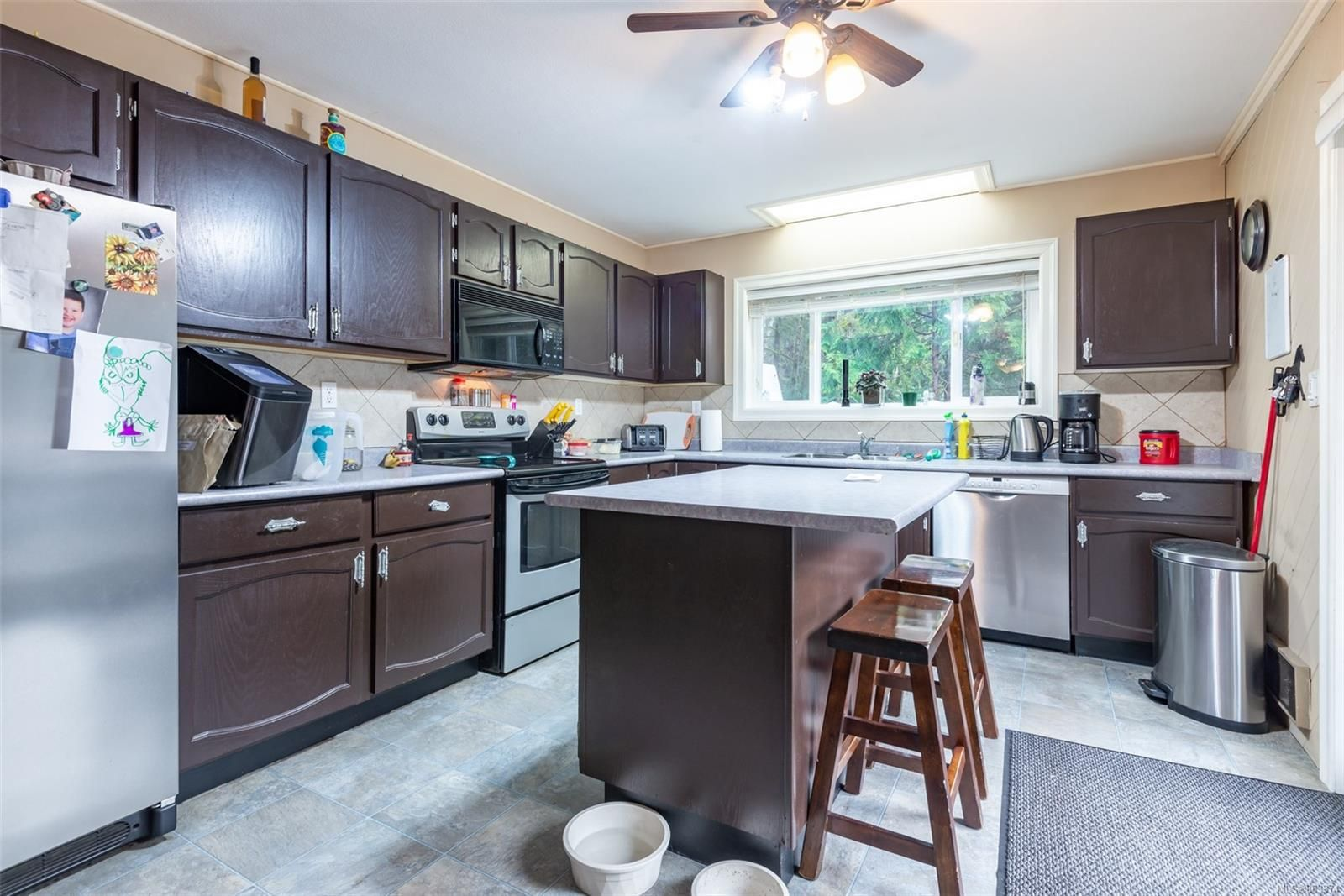 Photo 2: Photos: 572 Sabre Rd in : NI Kelsey Bay/Sayward House for sale (North Island)  : MLS®# 863374