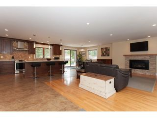 Photo 6: 23864 64 Avenue in Langley: Salmon River House for sale : MLS®# R2356393
