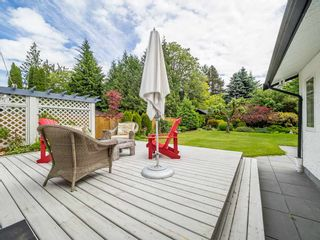 "Photo 17: 41562 ROD Road in Squamish: Brackendale House for sale in ""Brackendale"" : MLS®# R2269959"