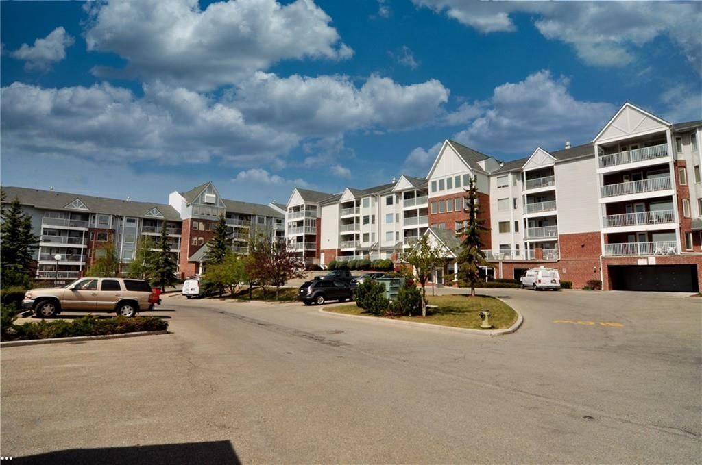 Photo 26: Photos: 3303 HAWKSBROW Point NW in Calgary: Hawkwood Apartment for sale : MLS®# C4305042