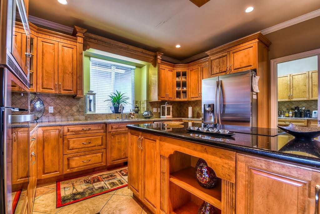 Photo 7: Photos: 15927 89A Avenue in Surrey: Fleetwood Tynehead House for sale : MLS®# R2228908