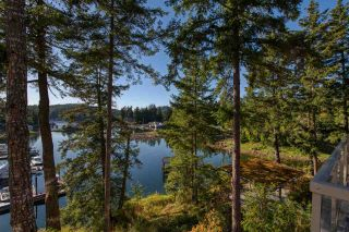 "Photo 20: 23B 12849 LAGOON Road in Madeira Park: Pender Harbour Egmont Condo for sale in ""Painted Boat"" (Sunshine Coast)  : MLS®# R2484398"