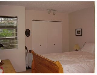 "Photo 6: 121 4373 HALIFAX Street in Burnaby: Central BN Condo for sale in ""BRENT GARDENS"" (Burnaby North)  : MLS®# V634742"