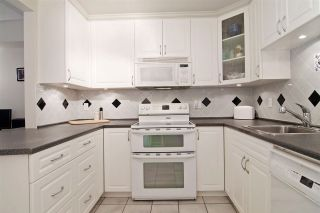 """Photo 9: 3103 33 CHESTERFIELD Place in North Vancouver: Lower Lonsdale Condo for sale in """"Harbourview Park"""" : MLS®# R2037524"""