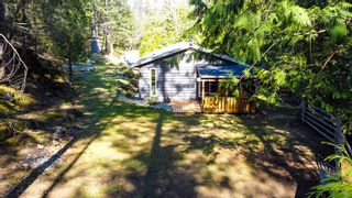 """Photo 9: 12715 LAGOON Road in Madeira Park: Pender Harbour Egmont House for sale in """"PENDER HARBOUR"""" (Sunshine Coast)  : MLS®# R2567037"""