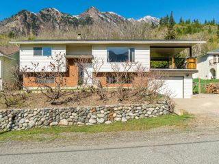 Photo 3: 905 COLUMBIA STREET: Lillooet House for sale (South West)  : MLS®# 161606