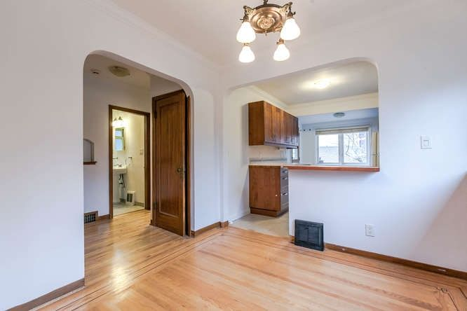 Photo 5: Photos: 808 E 28TH AVENUE in Vancouver: Fraser VE House for sale (Vancouver East)  : MLS®# R2154503
