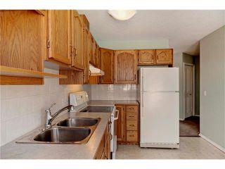 Photo 7: 15 WHITMIRE Villa(s) NE in Calgary: Whitehorn House for sale : MLS®# C4094528