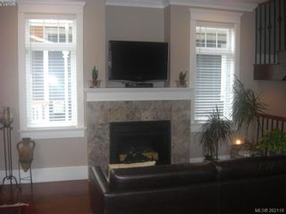 Photo 6: 1676 Chandler Ave in VICTORIA: Vi Fairfield East House for sale (Victoria)  : MLS®# 501950