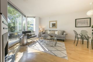 Photo 4: TH103 1288 MARINASIDE CRESCENT in Vancouver: Yaletown Townhouse for sale (Vancouver West)  : MLS®# R2281597