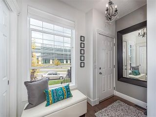 Photo 3: 35 43 SPRINGBOROUGH Boulevard SW in Calgary: Springbank Hill House for sale : MLS®# C4083171