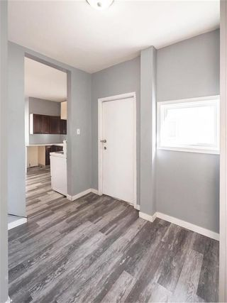 Photo 11: 452 Boyd Avenue in Winnipeg: North End Residential for sale (4A)  : MLS®# 202124235