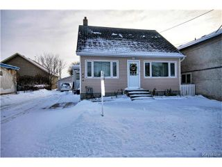 Photo 1: 486 Jolys Avenue West in St Pierre-Jolys: R17 Residential for sale : MLS®# 1626233