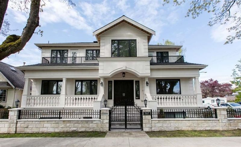 FEATURED LISTING: 707 20TH Avenue West Vancouver