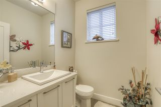 """Photo 12: 48 7979 152 Street in Surrey: Fleetwood Tynehead Townhouse for sale in """"THE LINKS"""" : MLS®# R2489154"""