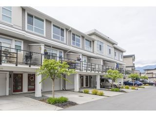 """Photo 1: 34 8413 MIDTOWN Way in Chilliwack: Chilliwack W Young-Well Townhouse for sale in """"Midtown"""" : MLS®# R2575902"""