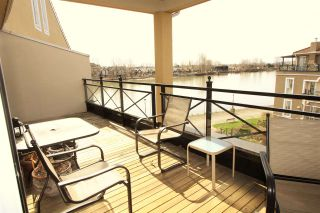 """Photo 3: 409 3 RENAISSANCE Square in New Westminster: Quay Condo for sale in """"THE LIDO"""" : MLS®# R2148521"""