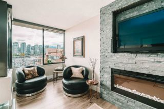 "Photo 3: 521 666 LEG IN BOOT Square in Vancouver: False Creek Condo for sale in ""Leg In Boot Square"" (Vancouver West)  : MLS®# R2574873"
