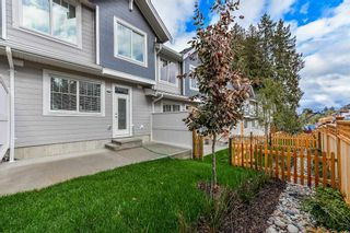 """Photo 19: 5 15717 MOUNTAIN VIEW Drive in Surrey: Grandview Surrey Townhouse for sale in """"OLIVIA"""" (South Surrey White Rock)  : MLS®# R2232194"""