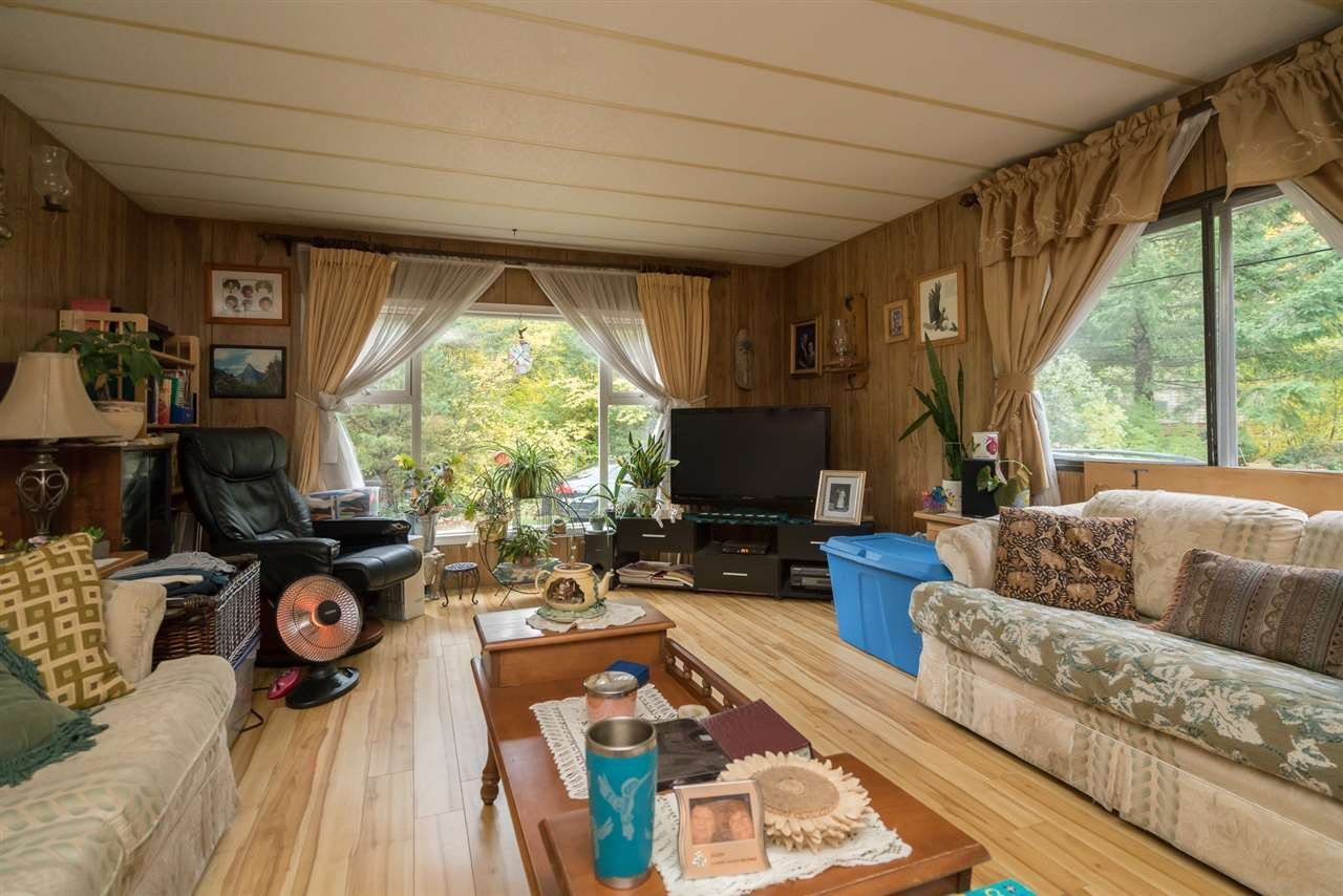 Photo 6: Photos: 36255 TRANS CANADA Highway in Yale: Hope Laidlaw Manufactured Home for sale (Hope)  : MLS®# R2335678