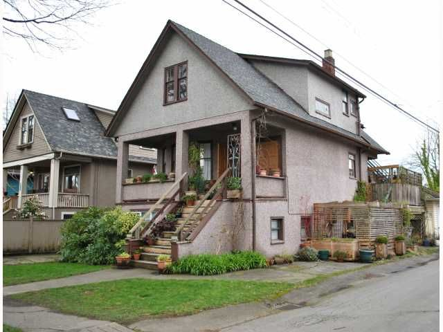 """Main Photo: 3522 WILLOW Street in Vancouver: Cambie House for sale in """"DOUGLAS PARK"""" (Vancouver West)  : MLS®# V816412"""