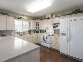 Photo 6: 6416 188A Street in Surrey: Cloverdale BC House for sale (Cloverdale)  : MLS®# R2445513