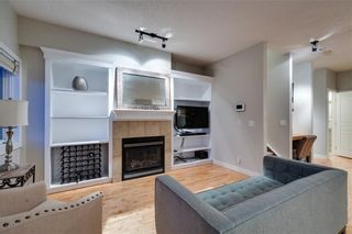 Photo 5: 1 3720 16 Street SW in Calgary: Altadore Row/Townhouse for sale : MLS®# C4306440