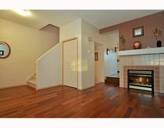 Photo 4: 36 SHAWBROOKE Court SW in CALGARY: Shawnessy Townhouse for sale (Calgary)  : MLS®# C3401716
