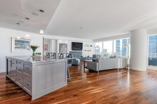 """Photo 7: 3706 1011 W CORDOVA Street in Vancouver: Coal Harbour Condo for sale in """"Fairmont Residences"""" (Vancouver West)  : MLS®# R2597737"""