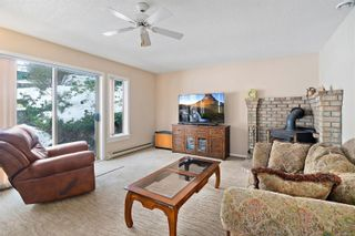 Photo 16: 3820 Cardie Crt in : SW Strawberry Vale House for sale (Saanich West)  : MLS®# 865975