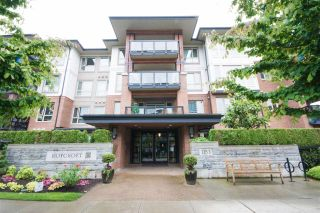 """Photo 7: 303 1153 KENSAL Place in Coquitlam: New Horizons Condo for sale in """"Roycroft by Polygon"""" : MLS®# R2180042"""