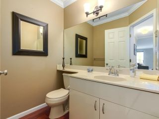 Photo 11: 3 1552 EVERALL STREET: White Rock Townhouse for sale (South Surrey White Rock)  : MLS®# R2265782