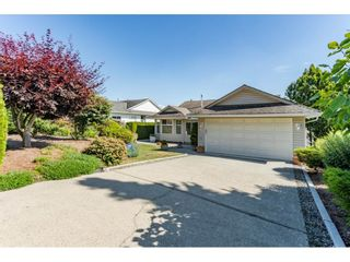 """Photo 1: 2316 MOUNTAIN Drive in Abbotsford: Abbotsford East House for sale in """"MOUNTAIN VILLAGE"""" : MLS®# R2388471"""