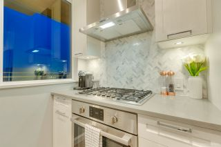 "Photo 14: 2702 520 COMO LAKE Avenue in Coquitlam: Coquitlam West Condo for sale in ""THE CROWN"" : MLS®# R2529275"