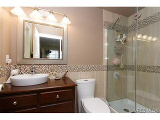 Photo 11: 924 Wendey Dr in VICTORIA: La Walfred House for sale (Langford)  : MLS®# 675974