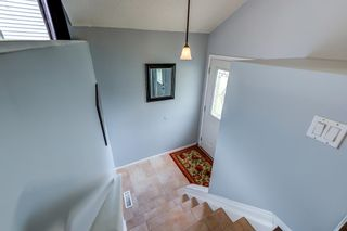 Photo 4: 3613 44 Avenue in Edmonton: Zone 29 House for sale : MLS®# E4246393