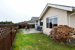 """Photo 12: 5704 EMILY Way in Sechelt: Sechelt District House for sale in """"CASCADE"""" (Sunshine Coast)  : MLS®# R2144070"""