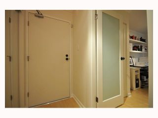 """Photo 3: 107 310 W 3RD Street in North Vancouver: Lower Lonsdale Condo for sale in """"DEVON MANOR"""" : MLS®# V788416"""