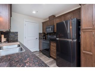 """Photo 8: 106 2068 SANDALWOOD Crescent in Abbotsford: Central Abbotsford Condo for sale in """"The Sterling"""" : MLS®# R2590932"""
