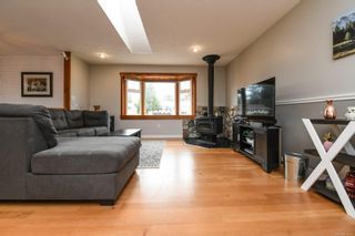 Photo 4: 582 Salish St in : CV Comox (Town of) House for sale (Comox Valley)  : MLS®# 872435