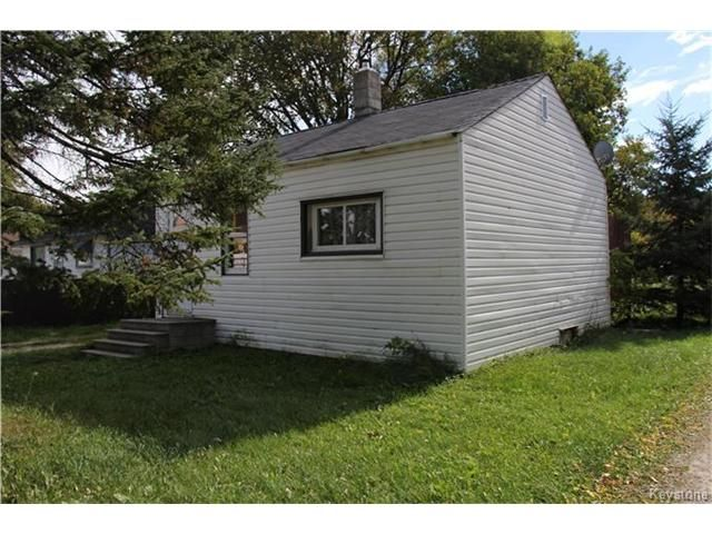 Photo 2: Photos: 190 Hindley Avenue in Winnipeg: Residential for sale (2D)  : MLS®# 1700383