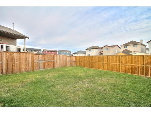 Photo 25: Photos: 304 EVERSYDE Circle SW in Calgary: Evergreen House for sale : MLS®# C4035934