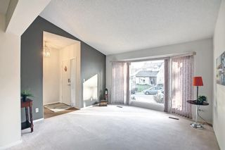 Photo 3: 36 Strathearn Crescent SW in Calgary: Strathcona Park Detached for sale : MLS®# A1152503