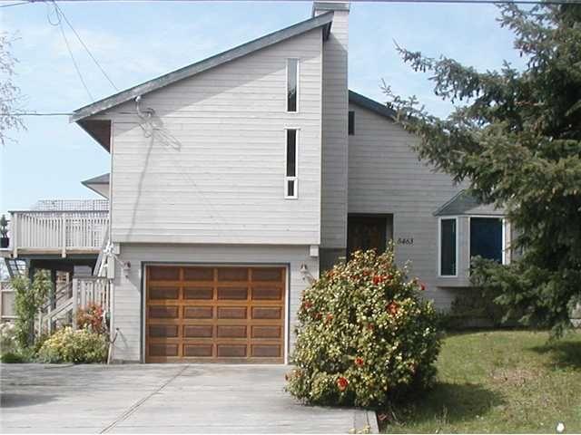 "Main Photo: 5463 KENSINGTON Road in Sechelt: Sechelt District House for sale in ""WEST SECHELT"" (Sunshine Coast)  : MLS®# V821774"